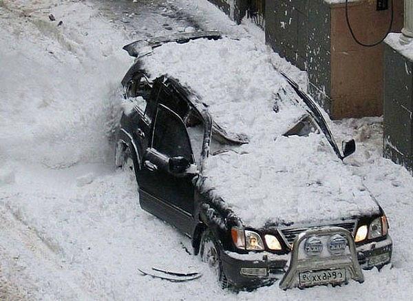 Машина на гарантии при урагане смяло капот
